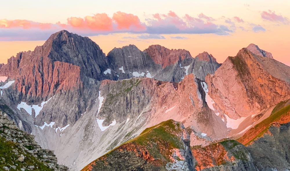 Warum ein Sonnenaufgang am Berg etwas ist, das du unbedingt vor dem Winter noch machen solltest